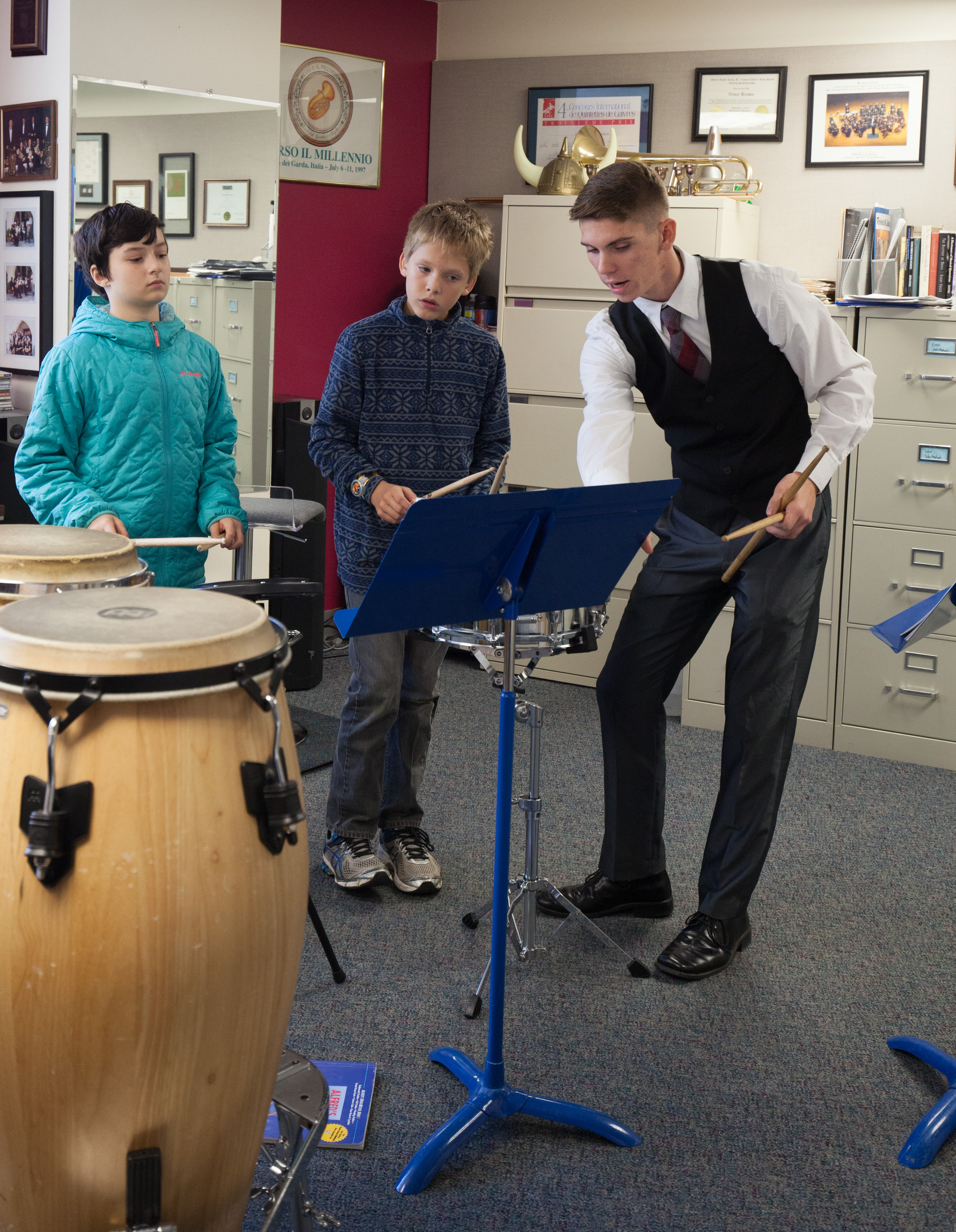 Penn state percussionist teaches 5th graders