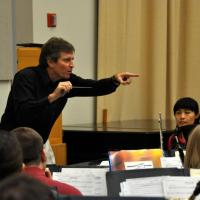 Composer Frank Ticheli conducts the Symphonic Wind ensemble