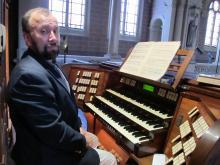vincent benitez at the organ
